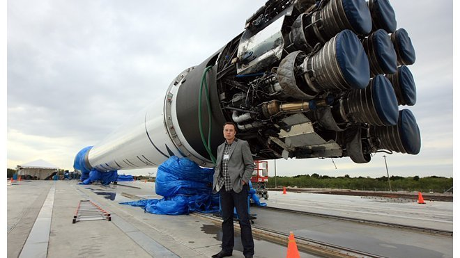 Firma SpaceX o den odložila start rakety Falcon 9. Co se stalo? - anotační foto
