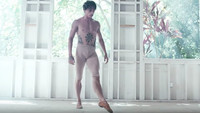 Sergej Polunin ve videu Take Me to Church